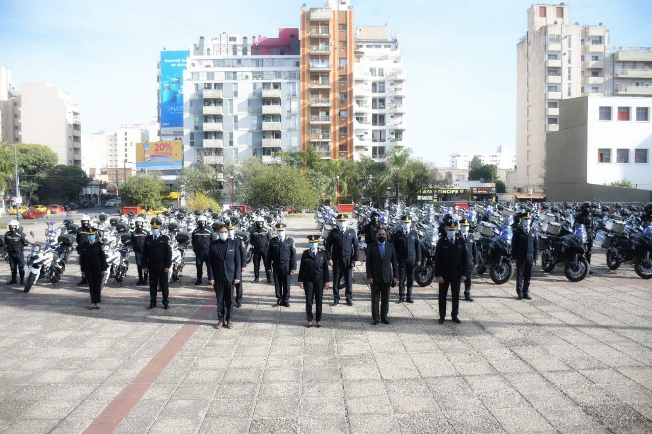 Entrega de motocicletas policiales